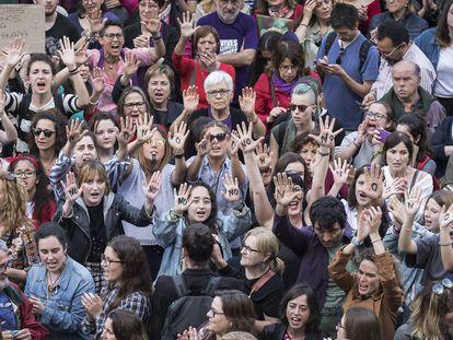 Una protesta feminista en Valencia contra la sentencia de La Manada.