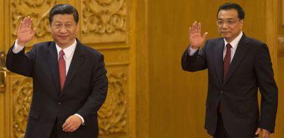 Xi Jinping y Li Keqiang, tras ascender el jueves a números uno y dos, respectivamente, del Partido Comunista Chino.
