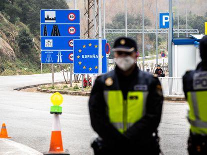Controles en la frontera de La Jonquera durante el estado de emergencia por la covid.