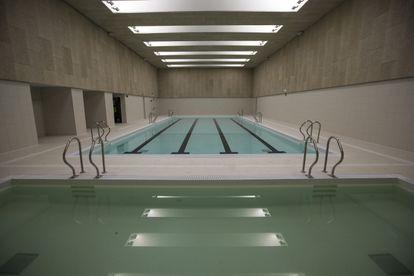 La piscina de 25 metros del campus.