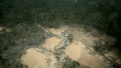 Un paseo por La Pampa peruana, zona de minería ilegal.