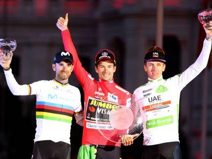 Valverde, Roglic y Pogacar, en el podio de Madrid.