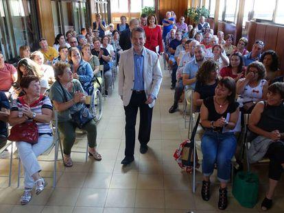 Abel Caballero llega este miércoles a la reunión con los vecinos de Ons.