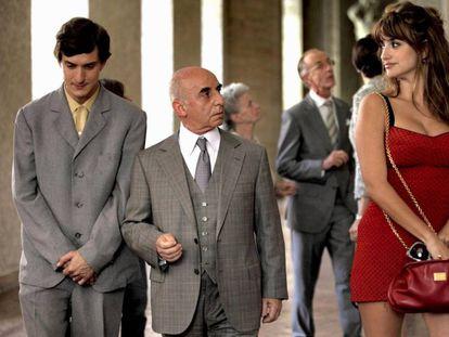 Nadie sabe lo que se le pasa por la cabeza a Penélope Cruz en 'A Roma con amor' (2012), de Woody Allen.