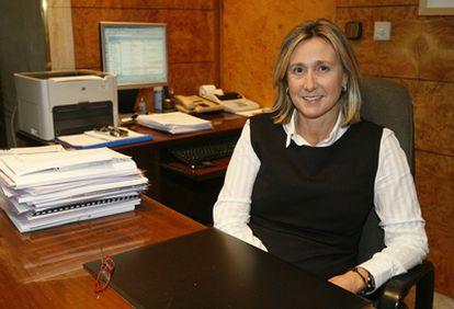 Alicia Vivanco, la nueva directora general de la BBK posa en su despacho
