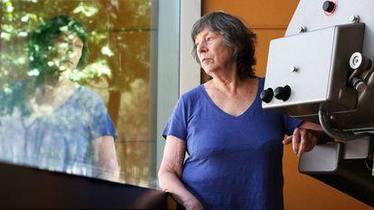 Laura Mulvey, autora de 'Placer Visual y Cine Narrativo', en la Facultad de Ciencias de la Información de la Universidad Complutense.