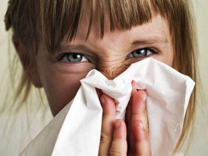 Los niños menores de 12 años no necesitan remedios para la tos y el resfriado común