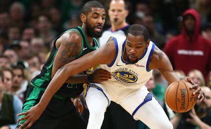 Irving y Durant, en enero.
