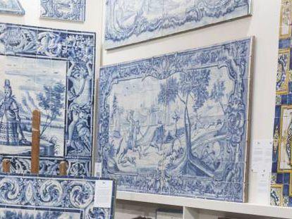 Exhibición de azulejos en Feriarte.