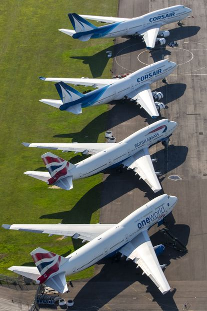 Aviones estacionados en el aeropuerto de Cotswold (Reino Unido).
