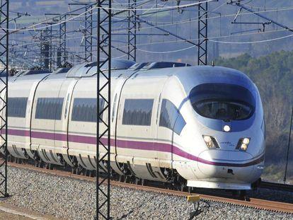Un tren de Renfe en una imagen de archivo