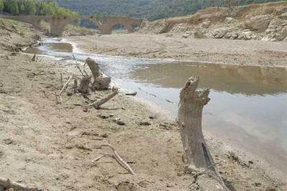 El embalse de Boadella, en la cuenca del río Muga, en Girona.