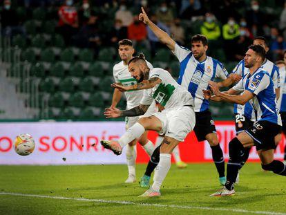 Benedetto, en la acción del 2-2.