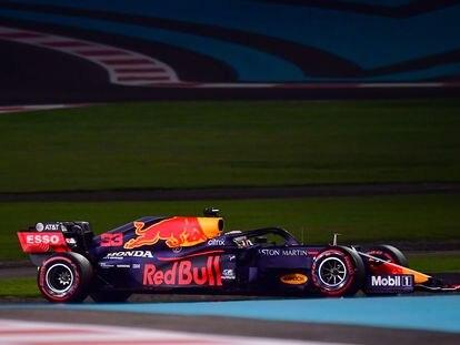 El piloto de Red Bull Max Verstappen, durante la sesión clasificatoria del Gran Premio de Abu Dhabi 2020, el último de la temporada de Fórmula 1.