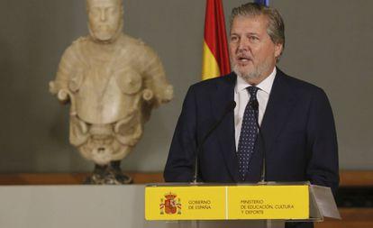 Méndez de Vigo, en la ceremonia de imposición de las condecoraciones de la Orden Civil de Alfonso X El Sabio, el jueves en Madrid.