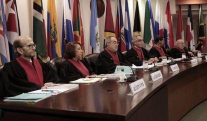 Jueces de la Corte Interamericana en la sesión sobre Costa Rica.