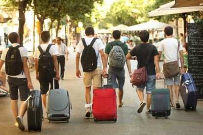 Turistas en La Rambla de Barcelona.