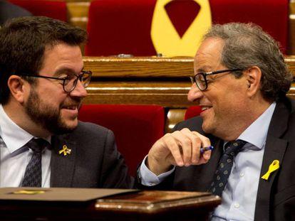 El vicepresidente económico, Pere Aragonès, junto al presidente Quim Torra, ayer en el Parlament.