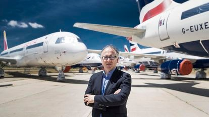 Luis Gallego, consejero delegado de IAG, posa en el aeropuerto de Barajas.