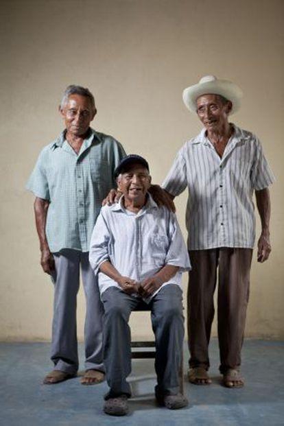 Cirilo Velázquez, Manuel Segovia e Isidro Velázquez, en Ayapa.