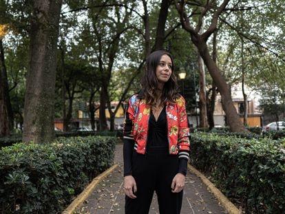 La escritora Vanessa Londoño, en Ciudad de México, este lunes.