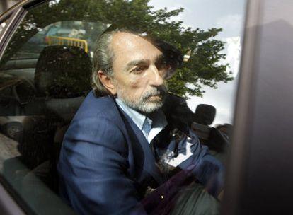 Francisco Correa,  a su llegada al Tribunal Superior de Justicia de Madrid en abril de 2009.
