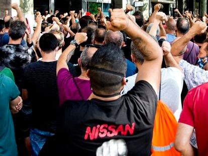 Nissan y los sindicatos pactan aplazar al final de 2021 el cierre de las fábricas de Barcelona