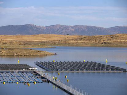 DVD1022 (08/10/2020) Vista general de la Planta Fotovoltaica flotante del embalse de Sierra Brava en C‡ceres.