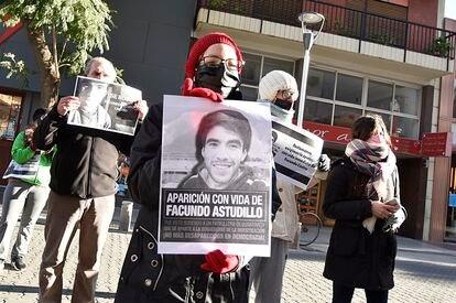 Manifestantes solicitan la aparición con vida de Facundo Astudillo Castro, de 22 años, en paradero desconocido desde el 30 de abril.