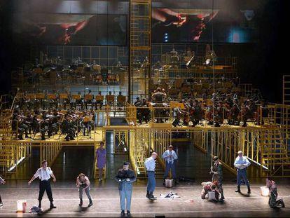 Representación de 'Die Soldaten', de B. A. Zimmermann, en el Teatro Real.