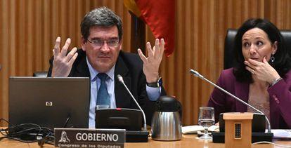 El ministro de Inclusión, Seguridad Social y Migraciones, José Luis Escrivá, en un imagen tomada el jueves durante su comparecencia en la Comisión de Trabajo.