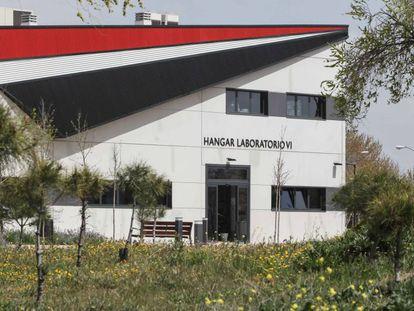 Hangar de la Universidad Rey Juan Carlos, en el campus de Fuenlabrada.