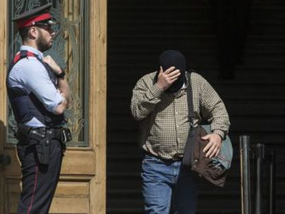 El exprofesor reconoce dos de los cuatro casos de agresión sexual por los que es juzgado