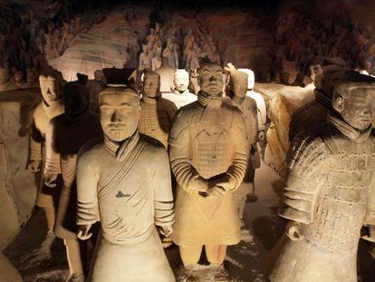 Algunas de las 150 réplicas de los guerreros de Xian que expusieron el Palacio Euskalduna de Bilbao.