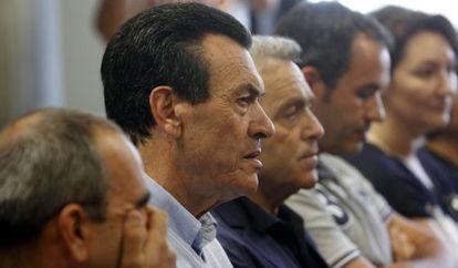 Juicio a Culebras (segundo por la izquierda) en Vigo.