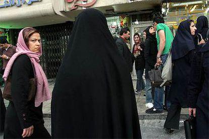 En ocasiones las calles de Teherán ofrecen escenas insólitas.
