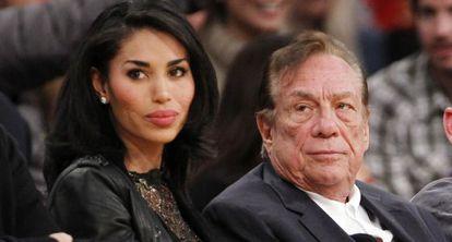 Donald Sterling y su novia V. Stiviano, en diciembre de 2010.