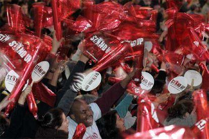 En la imagen, un grupo de neoyorquinos que se han sumado a la iniciativa de la Semana contra la Pobreza.