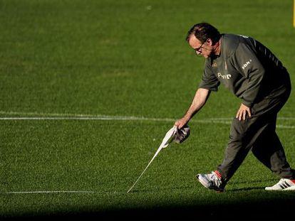 Bielsa, durante el entremiento del Athletic en el Calderón.