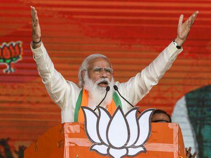 El primer ministro de la India, Narendra Modi, durante un mitin electoral en Calcuta, en marzo.