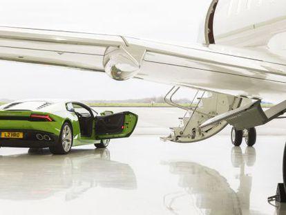 En 2014 se vendieron 105.000 supercoches deportivos y 21.000 limusinas.