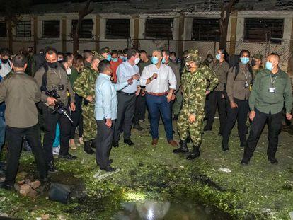 El presidente Iván Duque en la base militar atacada en Cúcuta, el martes.