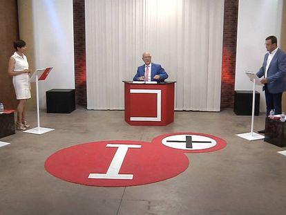 Un momento del debate entre los candidatos a la alcaldía de Puertollano (Ciudad Real), moderado por Julián Camacho en el canal provincial ImásTV.