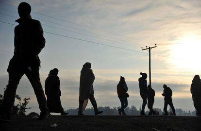 Emigrantes bloqueados en la frontera con Macedonia