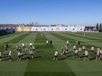 Los jugadores del Madrid, en el último entrenamiento en Valdebebas.