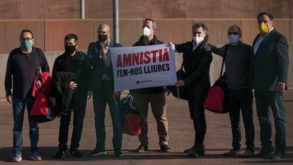 Los presos del 'procés', a la salida de la cárcel de Lledoners, el 21 de enero de 2021.