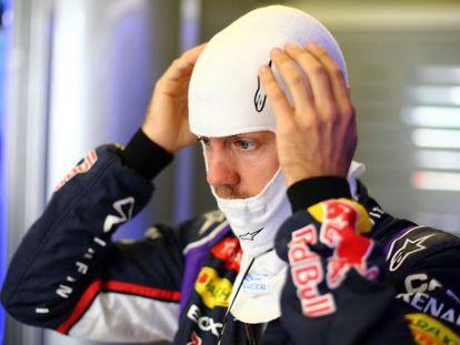 Vettel se prepara para un entrenamiento.