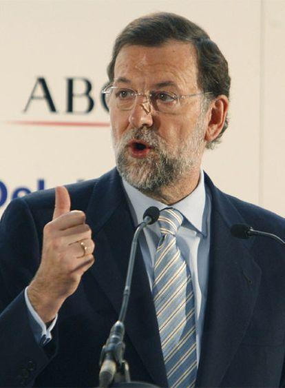 El presidente del PP, Mariano Rajoy, en la conferencia que ha pronunciado hoy en el Foro ABC, en Madrid.