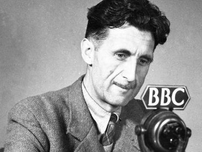 El periodista, ensayista y literato George Orwell (1903-1950).