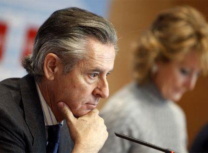 Miguel Blesa y Esperanza Aguirre, en una comparecencia el pasado diciembre.